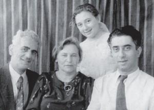 Папа, мама, я и дядя Арам