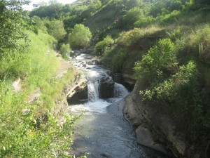 Река Кар-кар вблизи Степанакерта