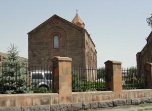 Церковь в селе Ошакан, где находится могила Месропа Маштоца