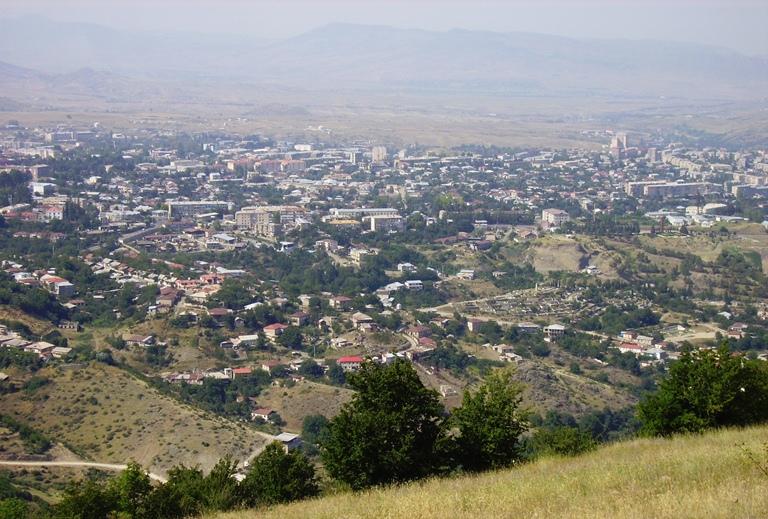 Коммерсант: Расхождения по Карабаху вряд ли удастся решить в обозримом будущем