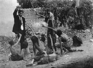 Турецкий чиновник, дразнящий хлебом умирающих от голода армянских детей, 1915.Из собрания Конгрегации мхитаристов острова Св.Лазаря, Венеция