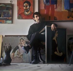 Минас Аветисян у себя в мастерской в городе Ереване. 1987. Фото: Юрий Абрамочкин/ РИА Новости
