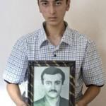 Шиндян Меружан родился 13.04.1992, Шиндян Арцрун погиб 13.04.1992