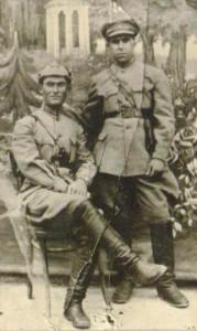 Андраник Казарян (стоит) в 1930 году